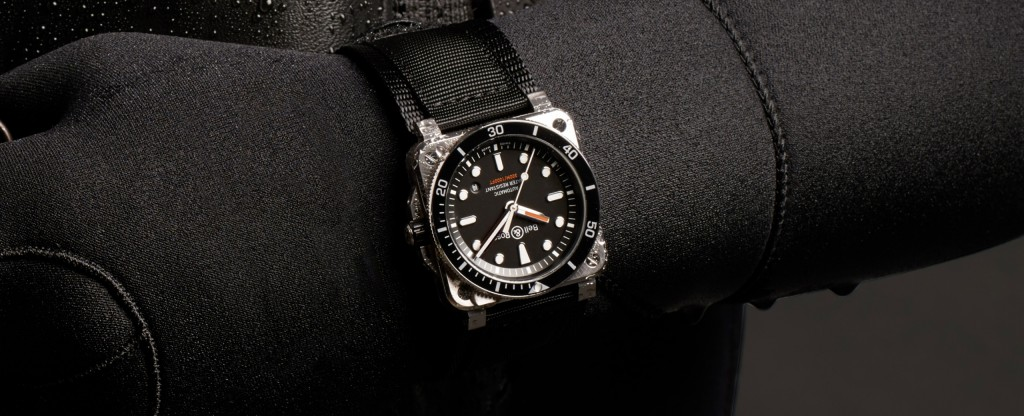 BR03-92-Diver-portee2-2560x1040
