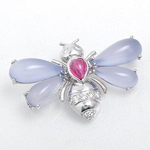 蜂 ピンクトルマリン・カルセドニー・ダイヤ ブローチ