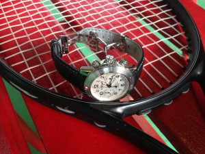 しっかりと時計を付け替えます